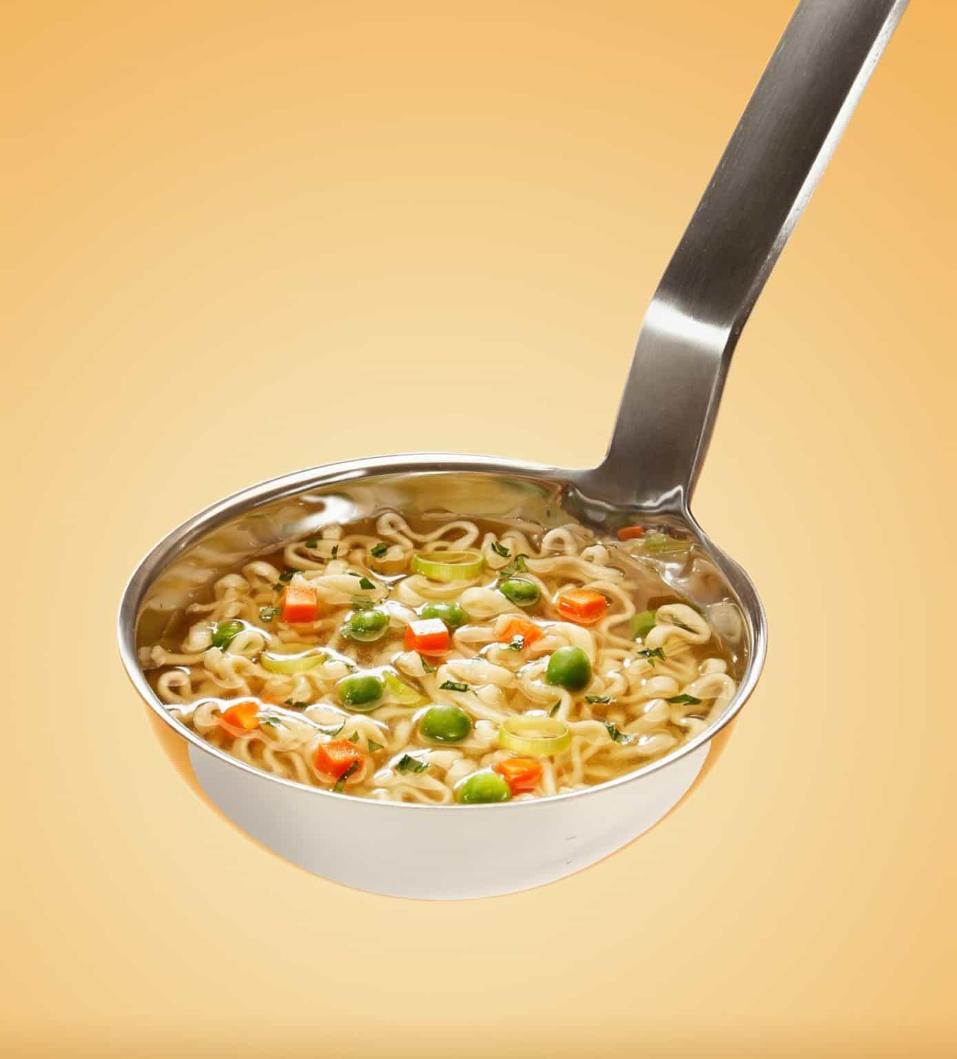 מרק עדשים כתומות: מתכון משביע למנת חורף מזינה