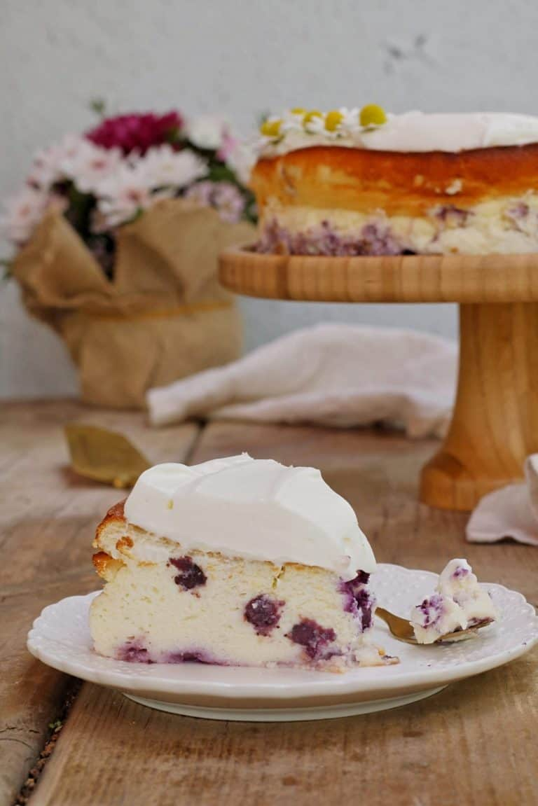עוגת גבינה דיאטטית עם פירות יער